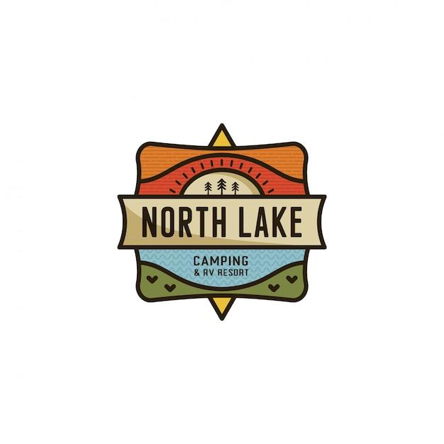 Modello logo camping emblema di design piatto patch e distintivo del lago del nord Vettore Premium