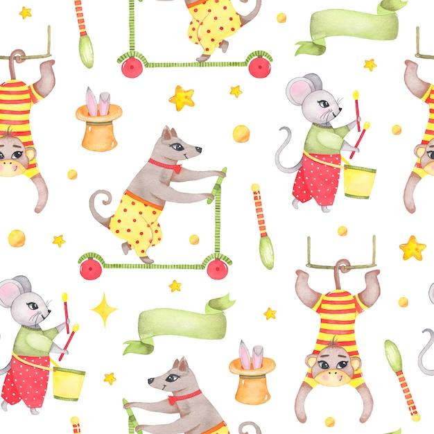 Modello senza cuciture animale del circo dell'acquerello con il coniglio del topo del cane della scimmia in cappello isolato Vettore gratuito
