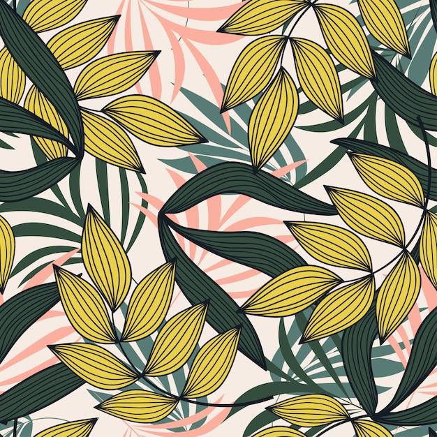 Modello senza cuciture astratto con le foglie e le piante tropicali variopinte su fondo bianco Vettore Premium