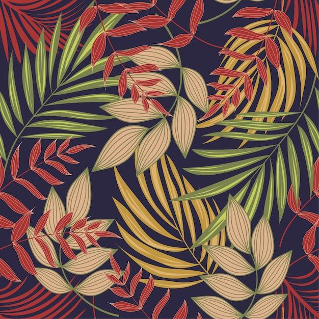 Modello senza cuciture astratto luminoso con foglie e piante tropicali colorate su sfondo viola Vettore Premium