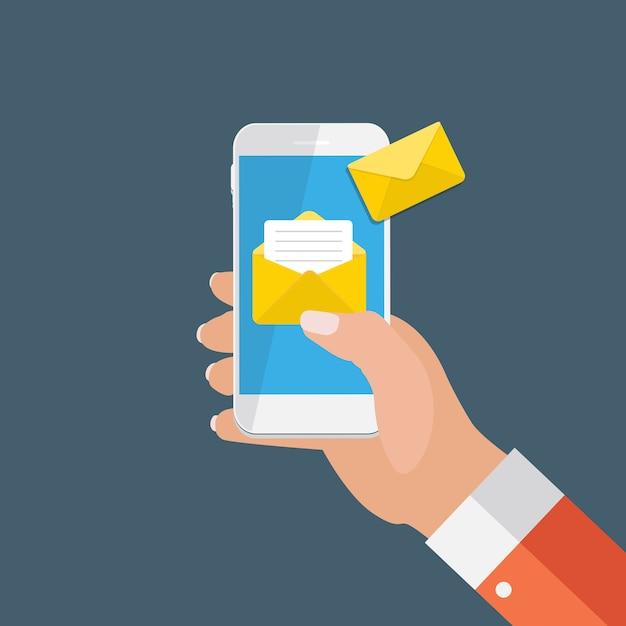 Nuova e-mail sul concetto di notifica dello schermo dello smartphone. illustrazione vettoriale Vettore Premium
