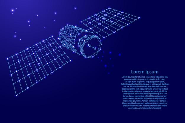 Orbitale satellitare artificiale terrestre con pannelli solari dalle futuristiche linee blu poligonali e stelle luminose per banner Vettore Premium