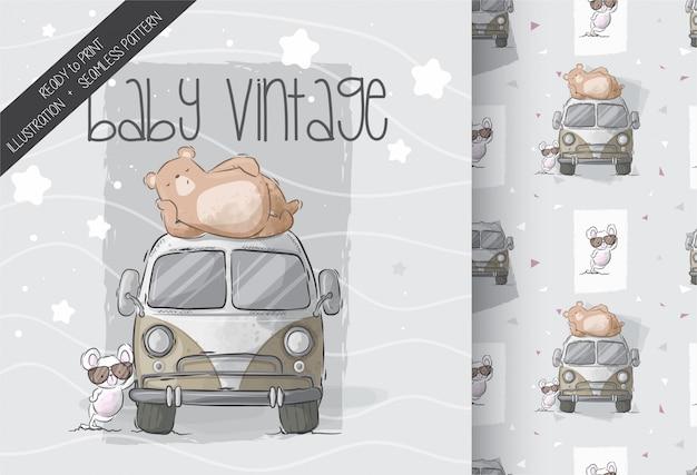 Orso sveglio con il topo del bambino sul modello senza cuciture dell'automobile Vettore Premium