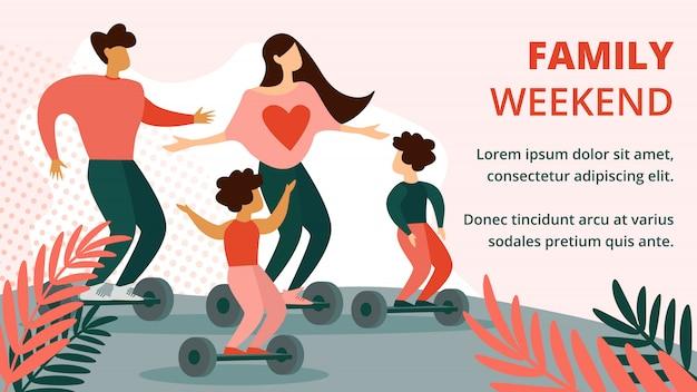 Padre, madre e figli cavalcando hoverboard nel parco Vettore Premium