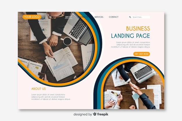 Pagina di destinazione aziendale creativa con foto Vettore gratuito