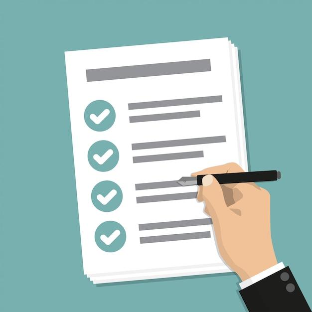 Passi la carta di affari della tenuta con la lista di controllo e la penna Vettore Premium