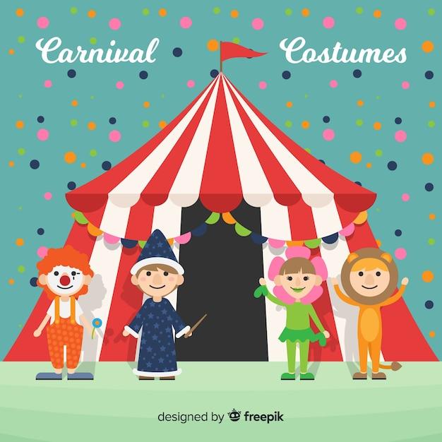 Personaggi di carnevale che indossano costumi Vettore gratuito