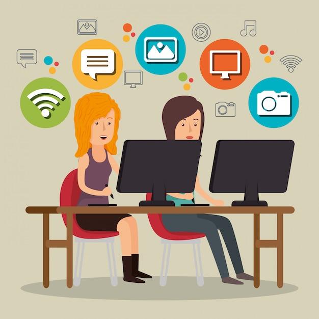 Persone che lavorano con le icone dei social media Vettore gratuito