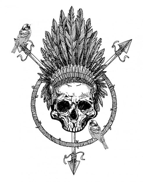 Piuma del cranio di arte del tatuaggio sul disegno della mano della testa Vettore Premium