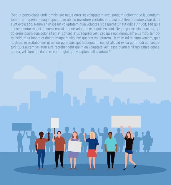 Poster con folla di persone che protestano sul paesaggio della città Vettore Premium