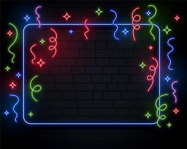 Progettazione del fondo di evento di celebrazione dei coriandoli delle luci al neon Vettore gratuito