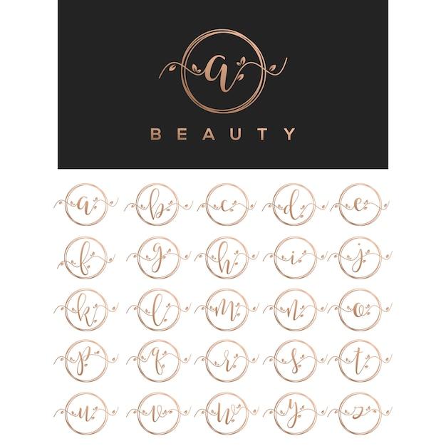 Progettazione di logo lettera bellezza floreale Vettore Premium