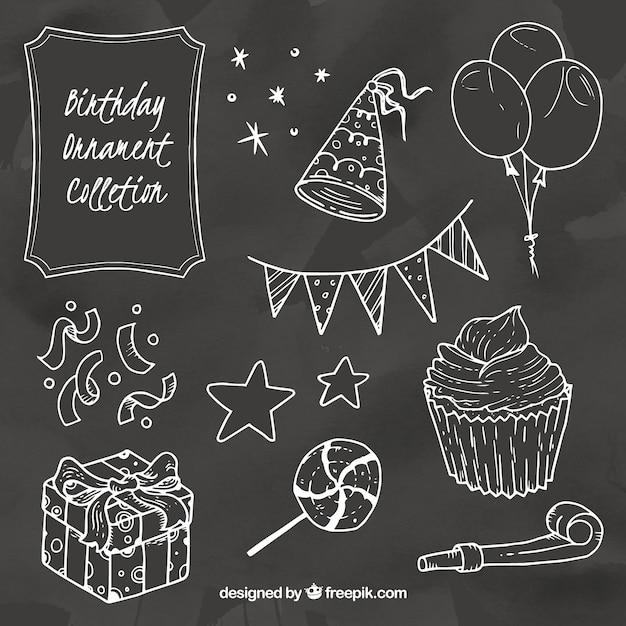 Raccolta di elementi di compleanno in stile gesso Vettore gratuito