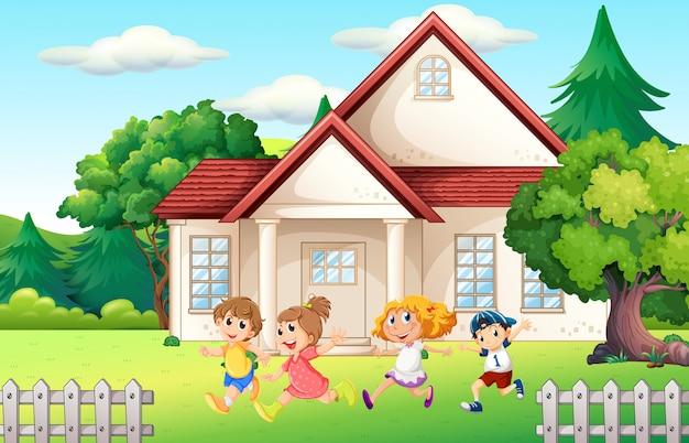 Ragazzi e ragazza che corrono nel cortile Vettore gratuito