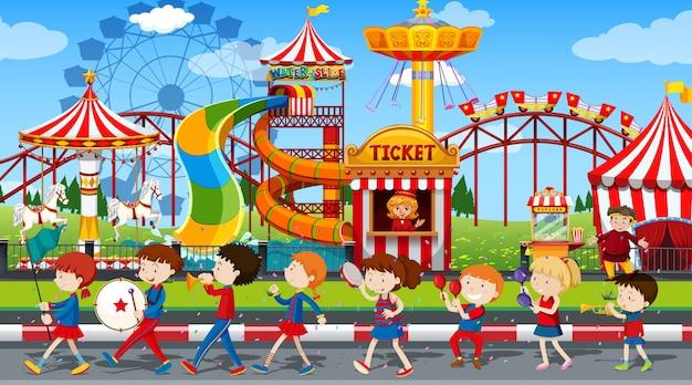 Ragazzi e ragazze attivi che praticano sport e attività divertenti all'esterno Vettore gratuito