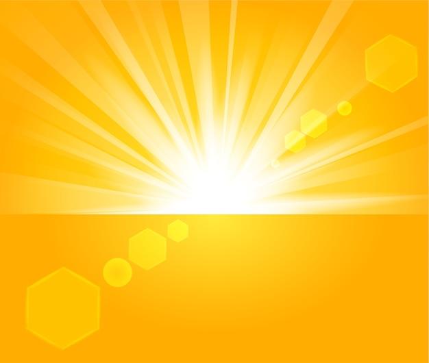 Raggi dorati che sorgono dall'orizzonte in sfondo chiaro Vettore Premium