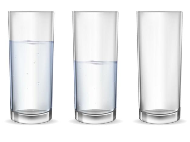 Realistico bicchiere vuoto con set tazza di acqua. Vettore Premium