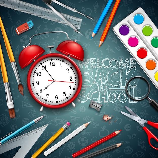 Ritorno a scuola con sveglia rossa e tipografia sfondo nero lavagna Vettore Premium