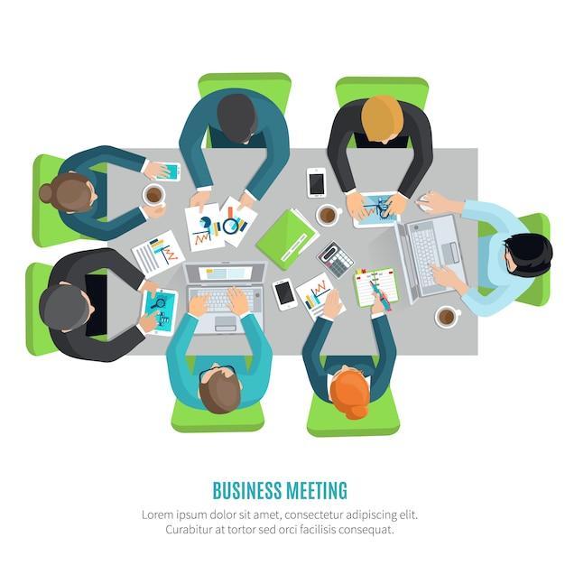 Riunione d'affari e concetto di discussione di gruppo con uomini e donne al tavolo da ufficio quadrato Vettore gratuito