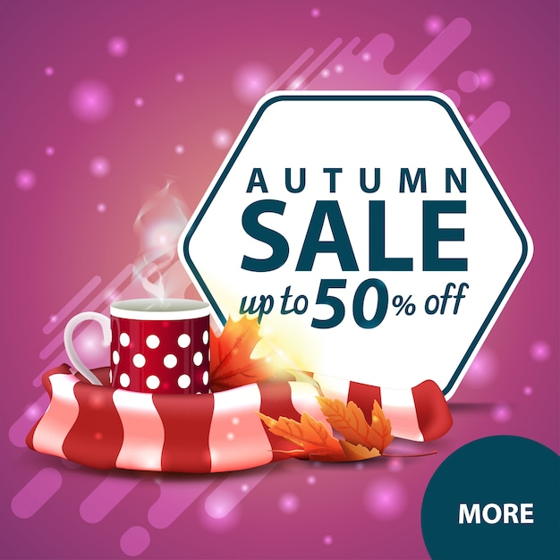 Saldi autunnali, banner web quadrato sconto con una tazza di tè caldo e sciarpa calda Vettore Premium