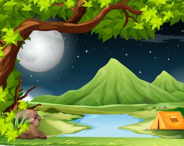 Scena della natura con tenda Vettore gratuito