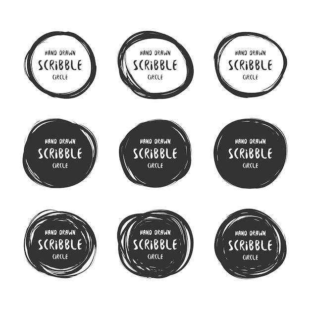 Set di 9 logo cerchi scarabocchi disegnati a mano Vettore Premium
