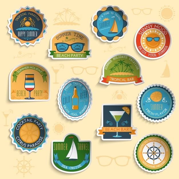 Set di adesivi emblemi vacanze estive Vettore Premium