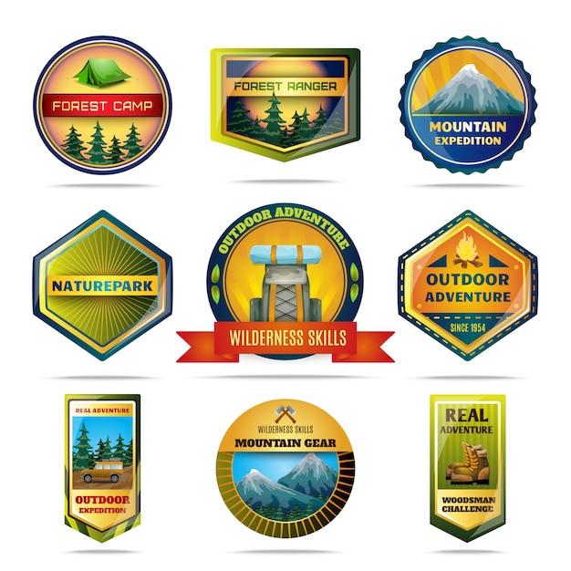 Set di emblemi campeggio Vettore gratuito