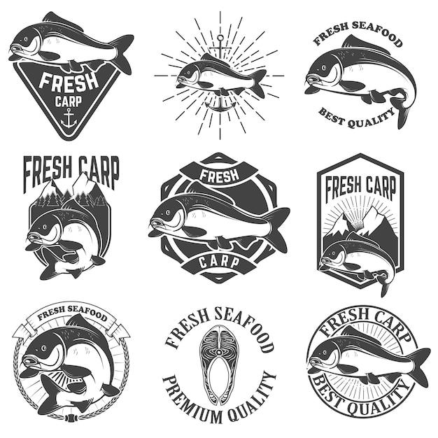 Set di etichette di carpe fresche, emblemi ed elementi di design Vettore Premium