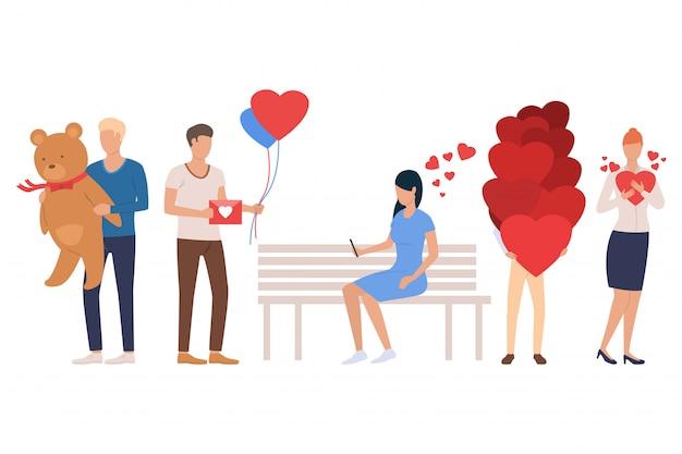 Set di incontri. uomini e donne che tengono il cuore Vettore gratuito