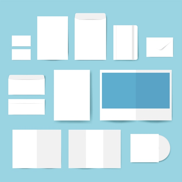 Set di materiale di stampa disegni mockup vettoriale Vettore gratuito
