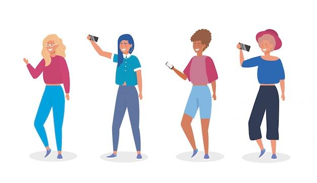 Set di ragazze con vestiti casual e smartphone selfie Vettore gratuito