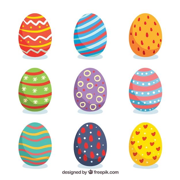 Set di uova del giorno di pasqua in stile piano Vettore gratuito