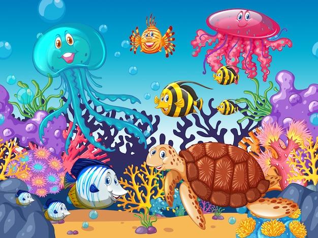 Sfondo di scena con animali marini sotto l'oceano Vettore gratuito