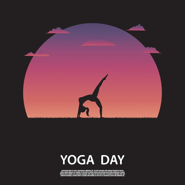 Silhouette di donna yoga sulla natura Vettore Premium