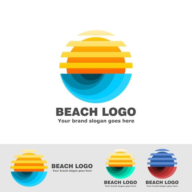 Spiaggia logo striscia sole e oceano onda Vettore Premium