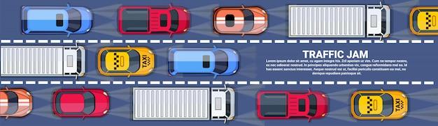 Strada piena di automobili e camion vista dall'alto angolo ingorgo stradale su autostrada orizzontale banner con copia spazio Vettore Premium