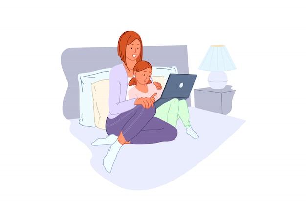 Svago familiare, formazione informatica, home entertainment, concetto di apprendimento del pc Vettore Premium