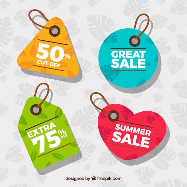 Tag colorati con vendite estive Vettore gratuito