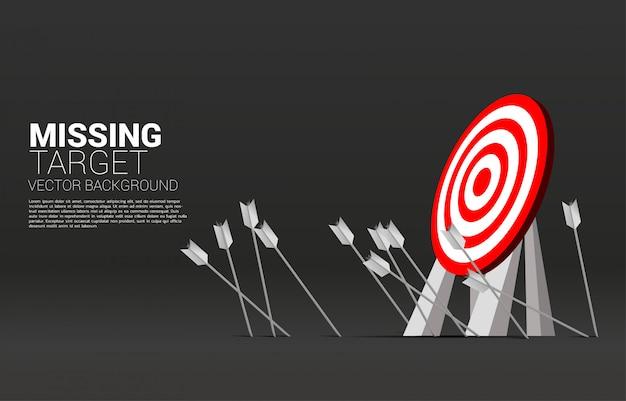 Target mancante di tiro con l'arco della freccia Vettore Premium