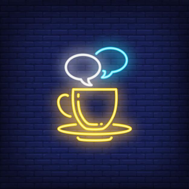 Tazza di caffè con fumetti al neon Vettore gratuito