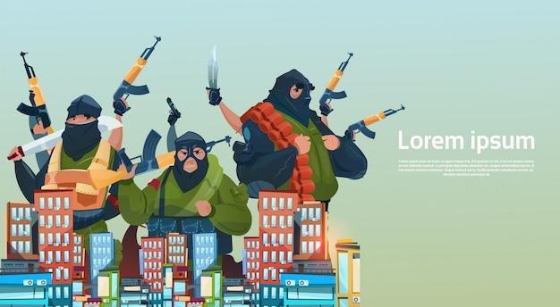 Terrorismo armato terrorista gruppo black mask hold arma machine gun attack city Vettore Premium