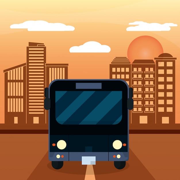Tramonto della città di autobus nero Vettore Premium