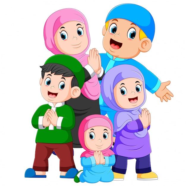 Un gruppo di famiglie musulmane celebra insieme lo ied mubarak Vettore Premium