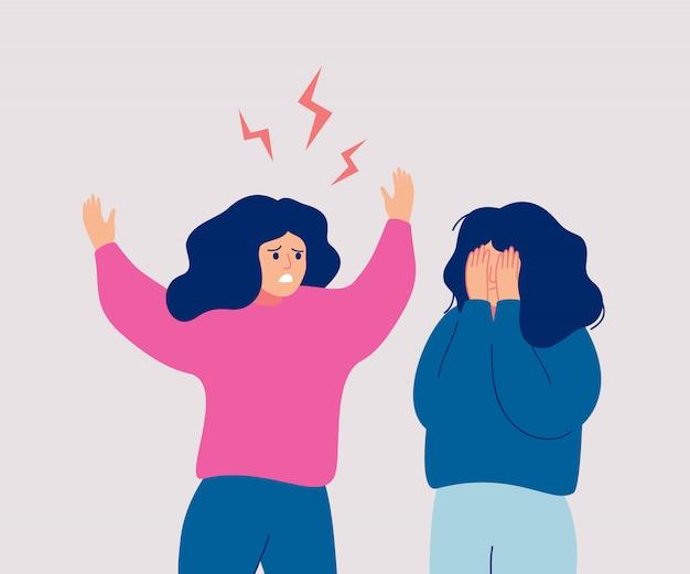 Una donna arrabbiata urla a una donna che piange che si copre il viso con le mani. Vettore Premium