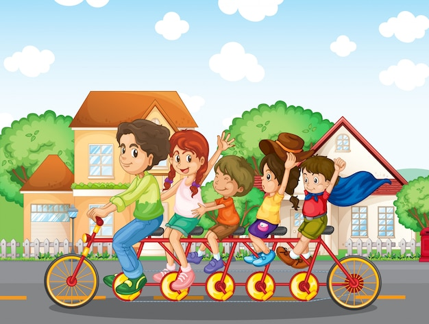 Una famiglia in bicicletta insieme Vettore gratuito
