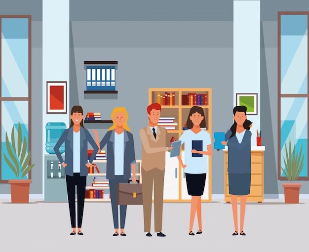 Uomini d'affari avatar personaggi dei cartoni animati in ufficio Vettore Premium