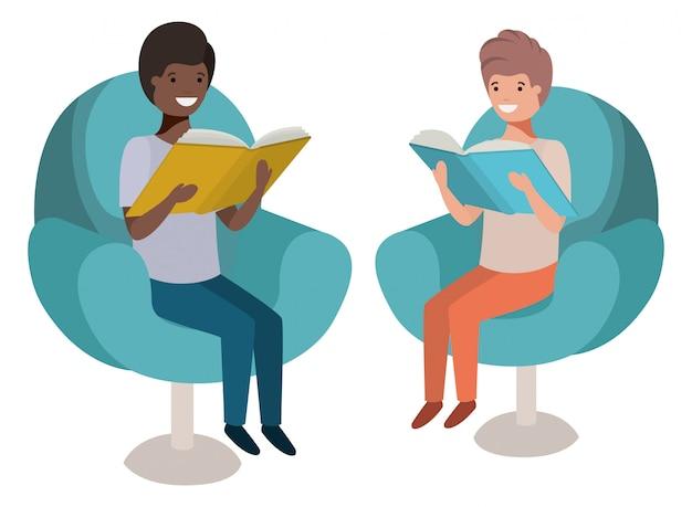 Uomini seduti nel divano con il personaggio del libro avatar Vettore Premium