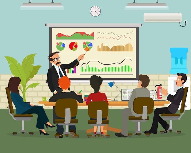 Uomo d'affari allegro che discute un nuovo progetto commerciale con i membri della sua squadra Vettore Premium