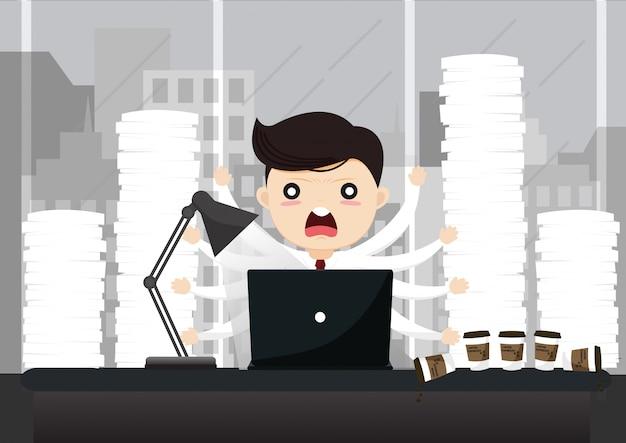Uomo d'affari che lavora al computer di notte in ufficio scuro. Vettore Premium
